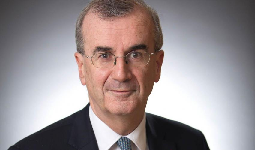 The (Online) Talk of the Governor of the Bank of France