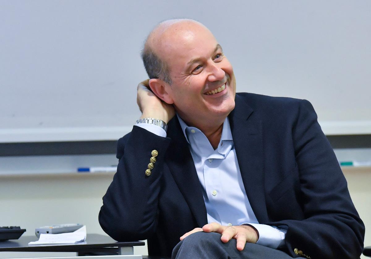 "Sturzenegger, lessons in ""experienced"" macroeconomics"